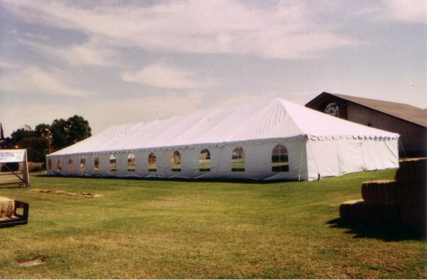 40 x 100 White Free-Standing Tent